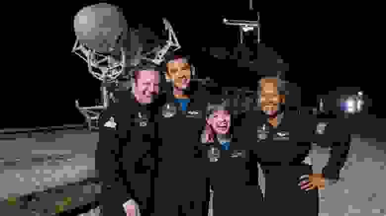 Команда миссии Inspiration4. Слева-направо: Кристофер Семброски, Джаред Айзекман, Хейли Арсено и Сиан Проктор