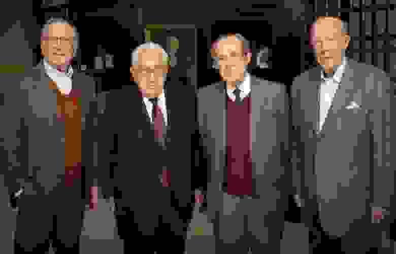 Сэм Нанн, Генри Киссинджер, Уильям Перри и Джордж Шульц. Источник фото: https://www.wjperryproject.org/perry