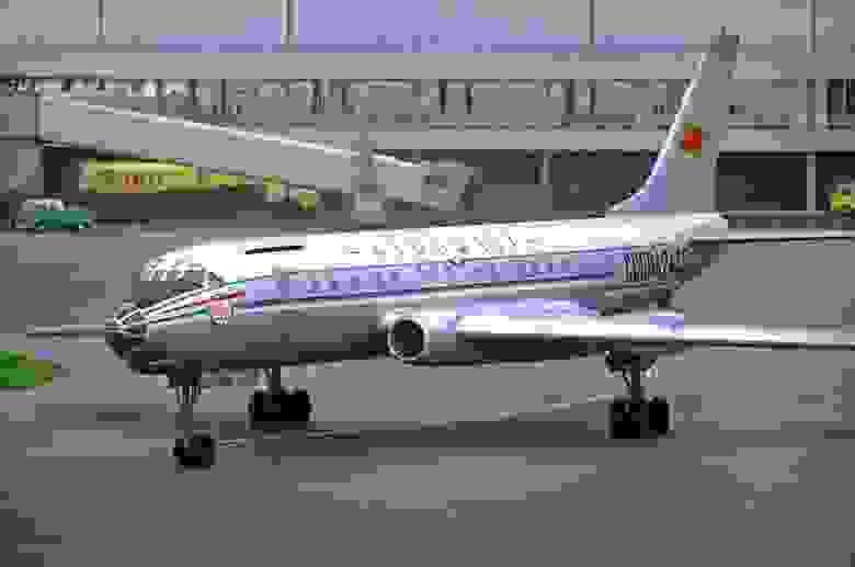 Ту-104 — один из первых в мире (а если быть точным, то второй) серийных реактивных пассажирских лайнеров.