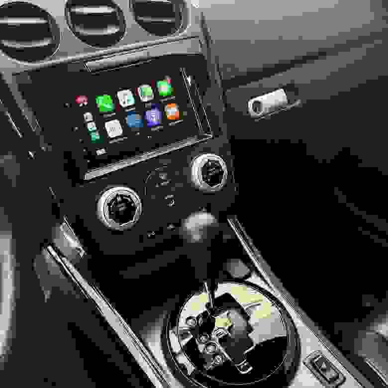 CarPlay в Pioneer SPH-DA120