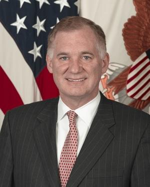 Уильям Линн (William J. Lynn), первый заместитель министра обороны США