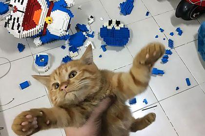 Разрушитель модели Лего из 2000+ деталей
