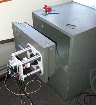 Взлом механических сейфов с помощью брутфорса и ПО.