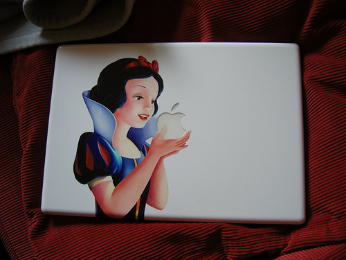 Белоснежка и MacBook