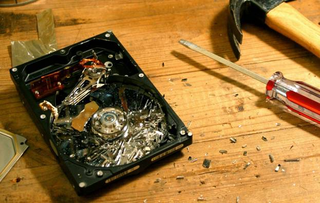 How To Get Data Off A Dead Hard Drive - MakeUseOf
