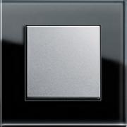 Кнопочный выключатель Gira Esprit, черное стекло, вставка - алюминий.