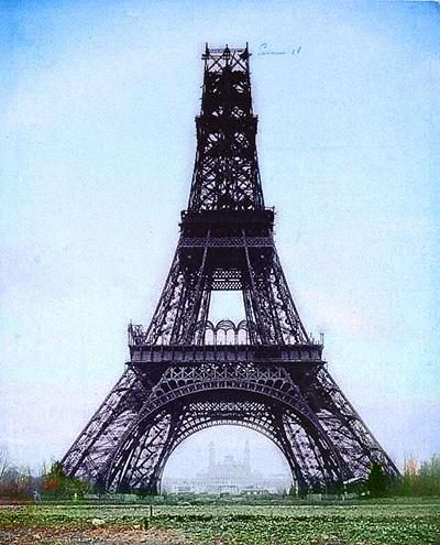 Недостроенная Эйфелева башня. Фотограф: Луи-Эмиль Дюрандель (Louis-Émile Durandelle), 23 ноября 1888 г.