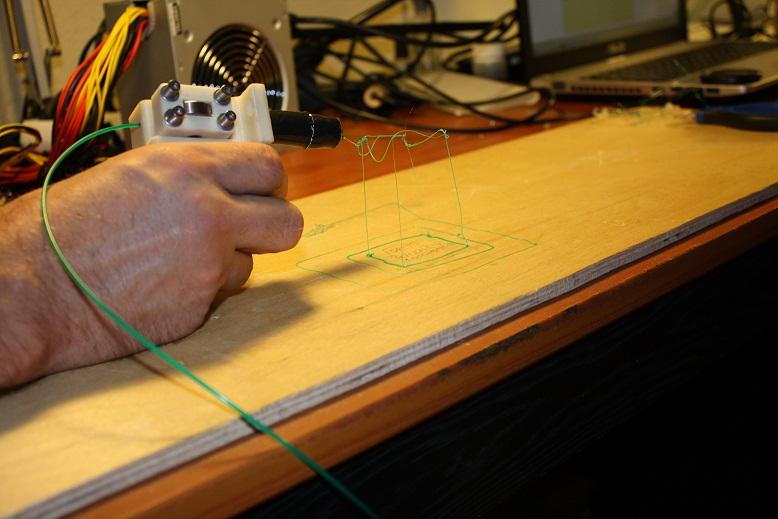 Ручкой 3Doodler можно рисовать