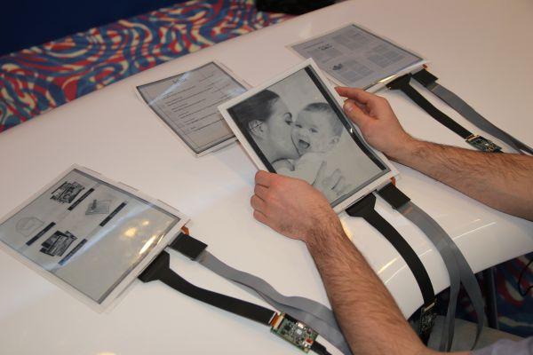 PaperTab: прототип планшета с гибким 10,7-дюймовым дисплеем ePaprer