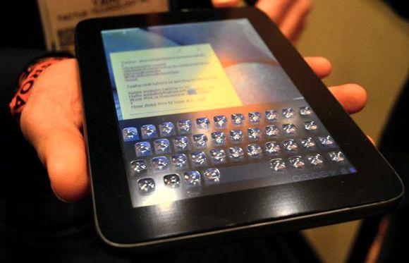 Тактильная клавиатура-трансформер для сенсорных дисплеев представлена на CES 2013