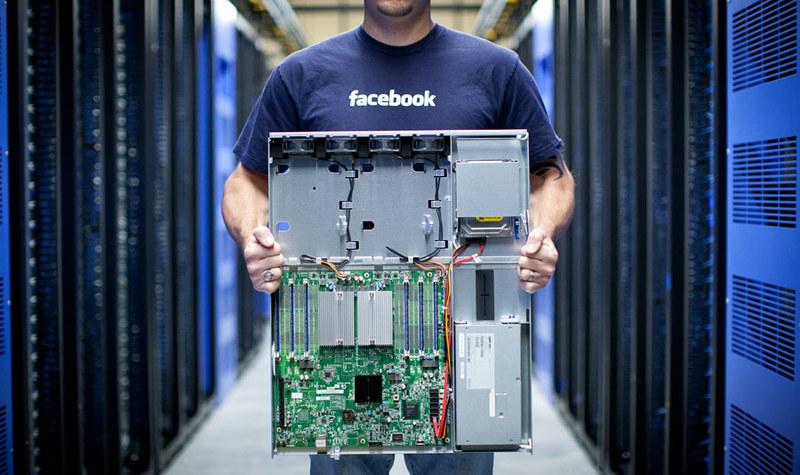 Facebook — от сервера до сети дата-центров за 8 лет