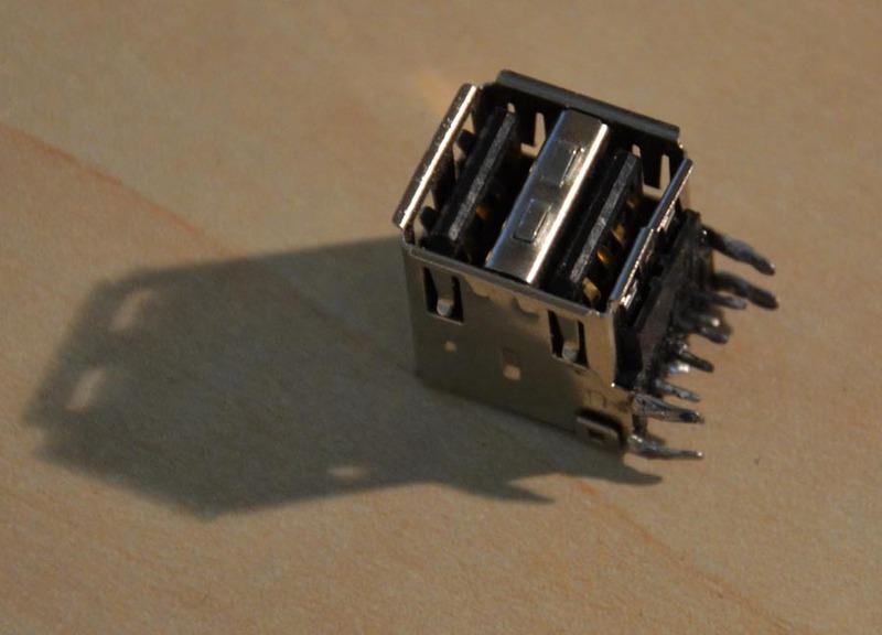 сокеты от USB удлинителя.