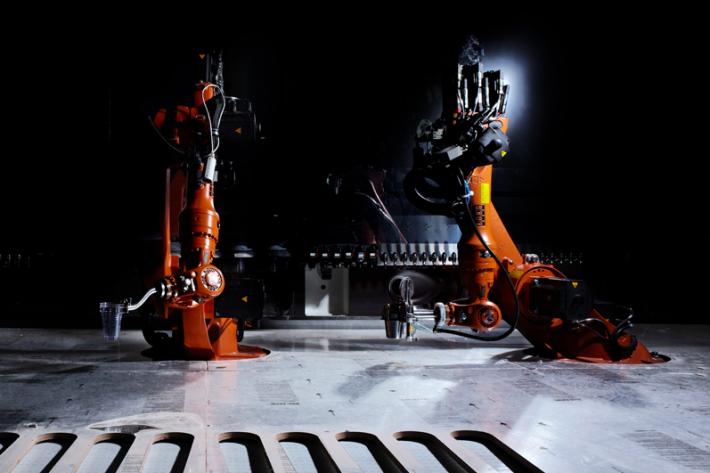Афтепати Google I/O обслуживает робот-бармен (немного фото+видео)