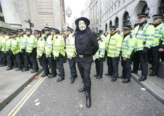 Anonymous взломали сайт президента Франции