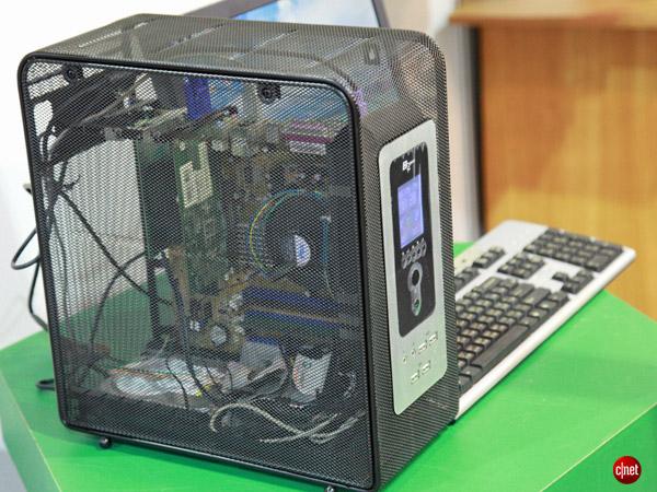 Компания YoungYear Electronics представила проволочный корпус для ПК