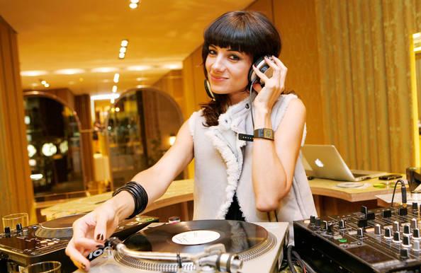 5 лучших наушников для профессиональных DJ'ев