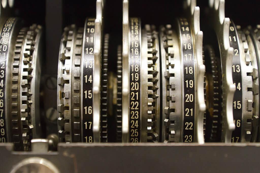 Шифровальщик, которому не нужны деньги