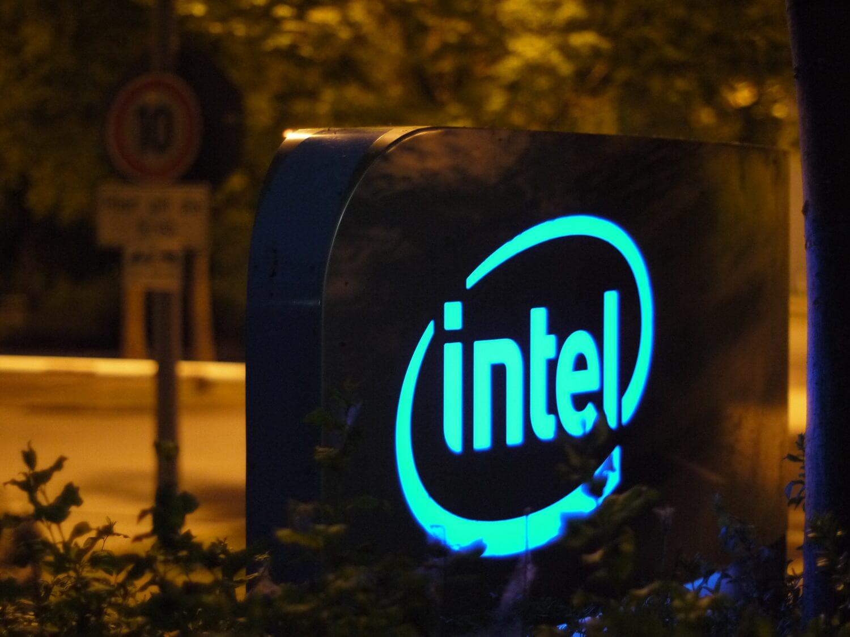 Вышел первый накопитель на 64-слойной 3D TLC NAND от компании Intel