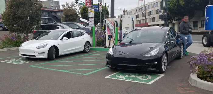 Прототипы Tesla Model 3