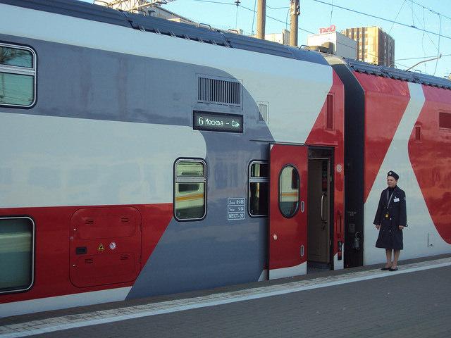 двухэтажный поезд из Санкт-Петербурга до Москвы