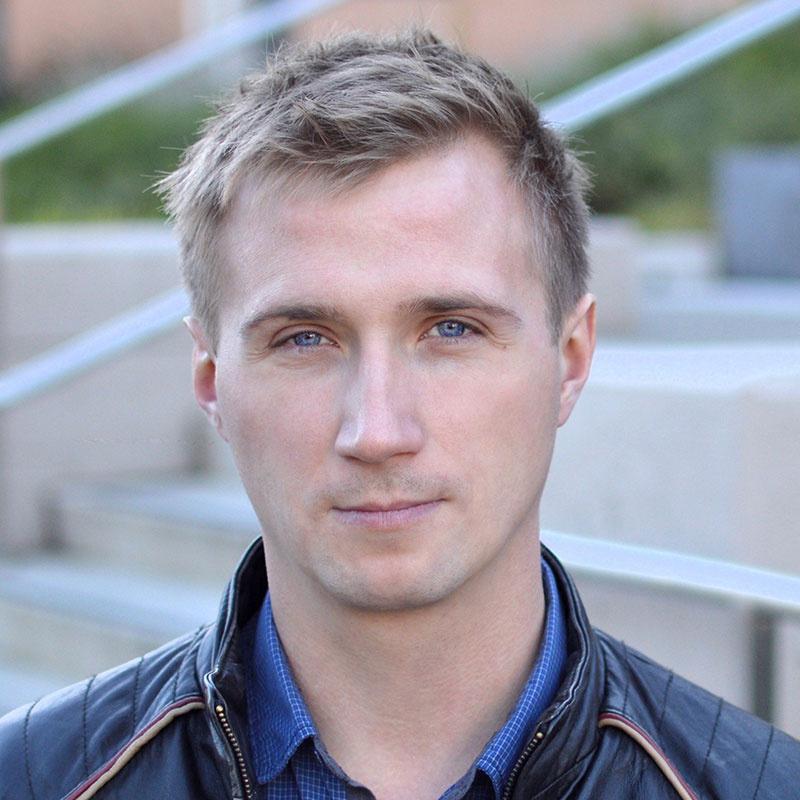 Лишенный премии за российское гражданство программист получит выплату от Mail.ru