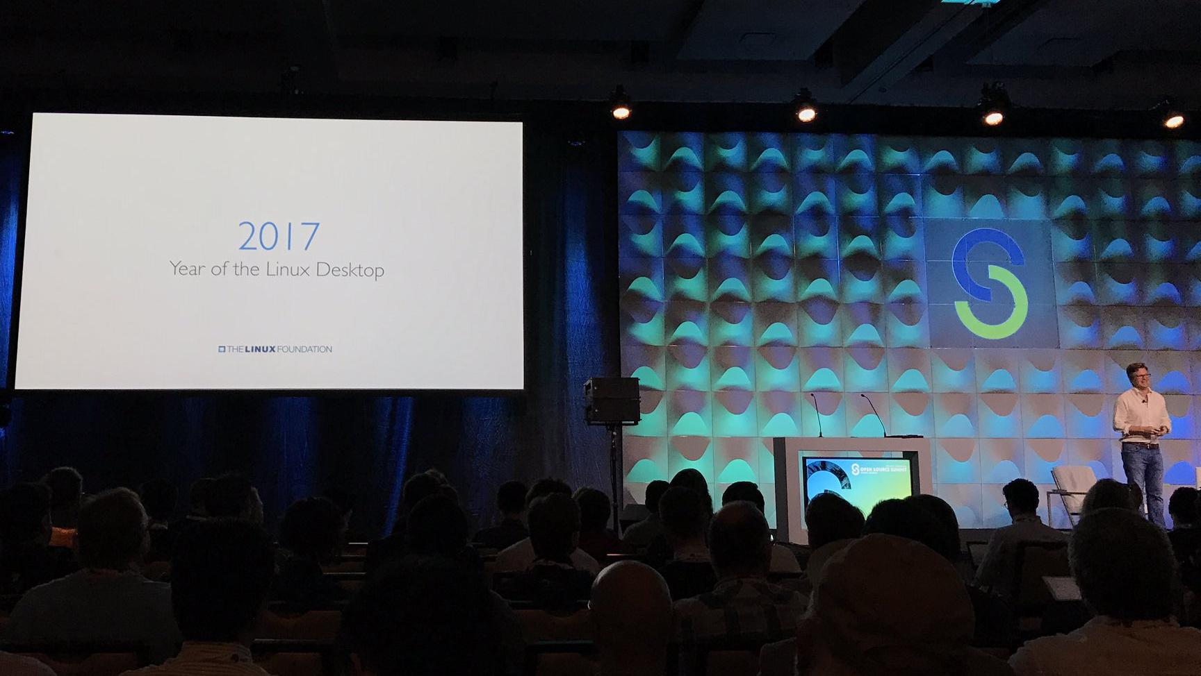 Директор Linux Foundation использует Mac OS X, анонсируя «год Linux на десктопах»