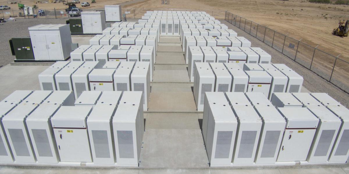 [Перевод] USA: Компания PG&E будет строить накопители на Li-Ion от Tesla, NorthWestern делает ставку на газ