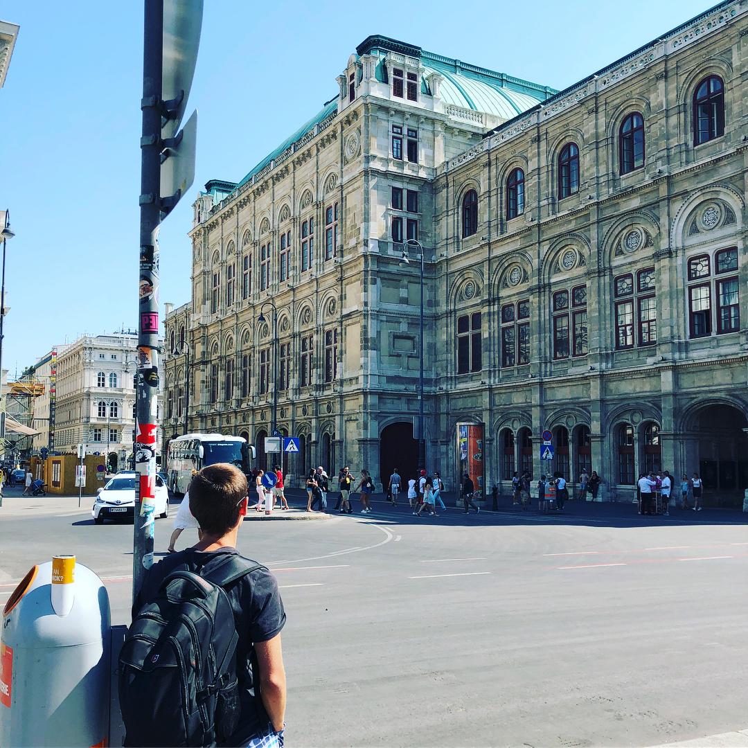 Интервью с Михаилом Чинковым о работе и жизни в Берлине