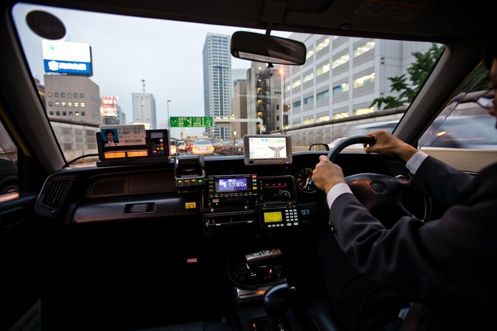 Обратная связь: как интерфейсы помогают водителям общаться с автомобилями
