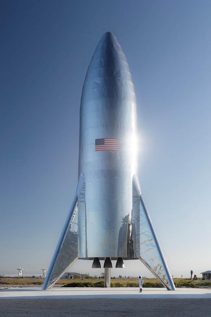 SpaceX показала прототип Starship и сократит 10% персонала