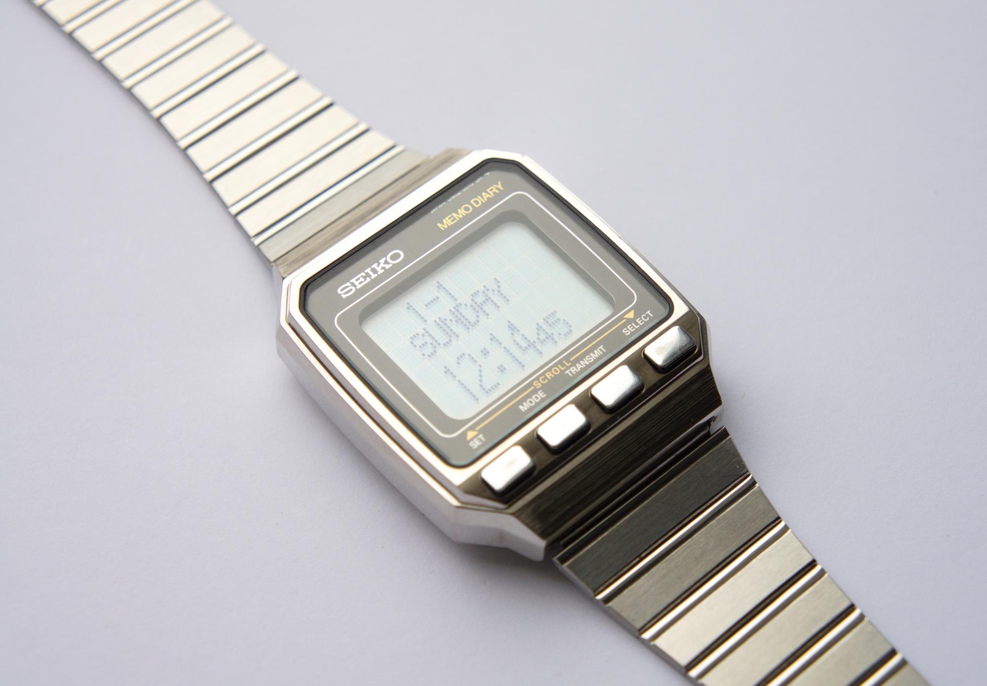 a374e1d3 Реверс-инжиниринг первых умных часов Seiko UC-2000 / Хабр