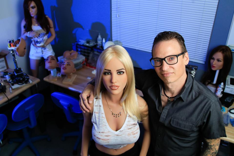 Видео дженифер видео роботы секс дрочат свой