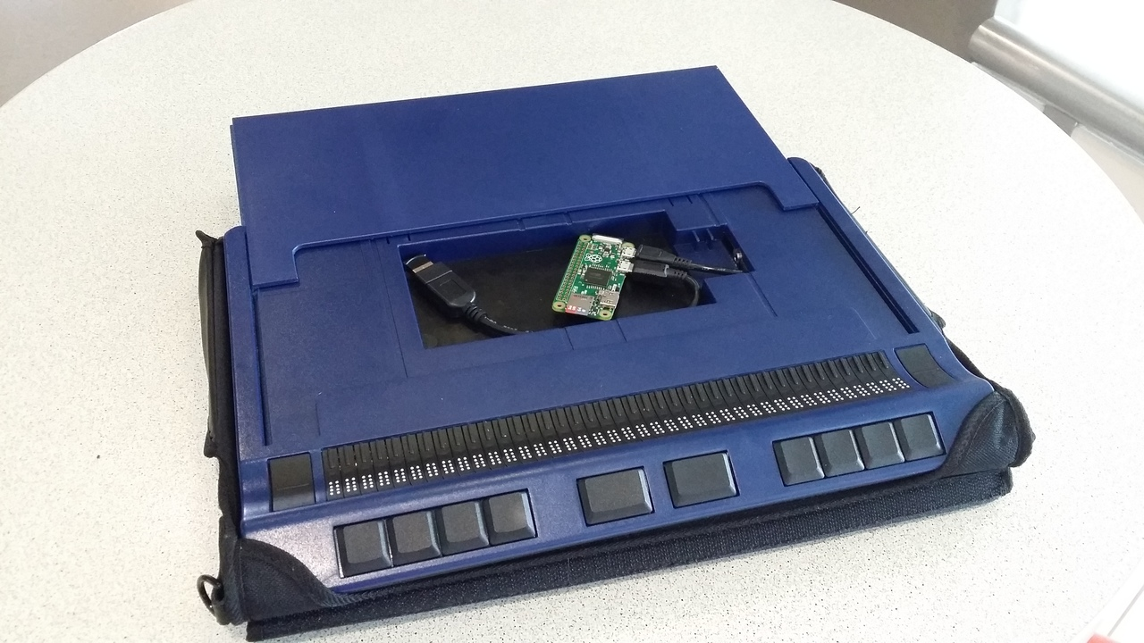 [Перевод] Raspberry Pi Zero внутри брайлевского дисплея Handy Tech Active Star 40