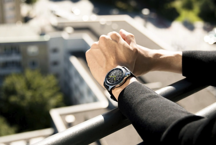 Smart watch Samsung Galaxy Watch: upgrade with Android Wear OS on Tizen OS - personal experience