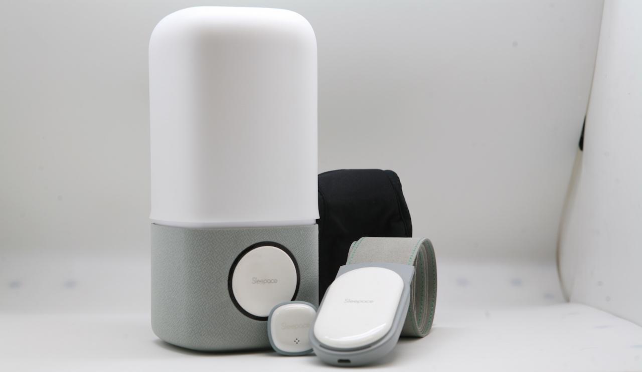 Гаджеты для сна от Sleepace: умная лампа, трекер Xiaomi и наушники-маска