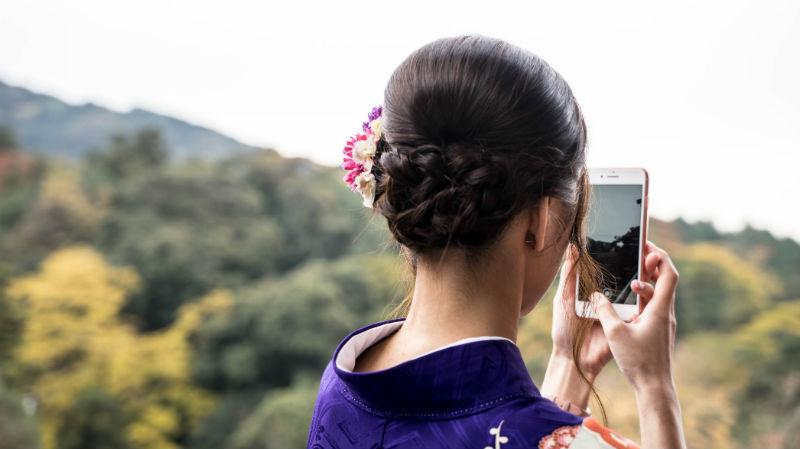 Huawei обогнал Apple по объему продаж. Капитализация американской компании все равно достигла $1 трлн