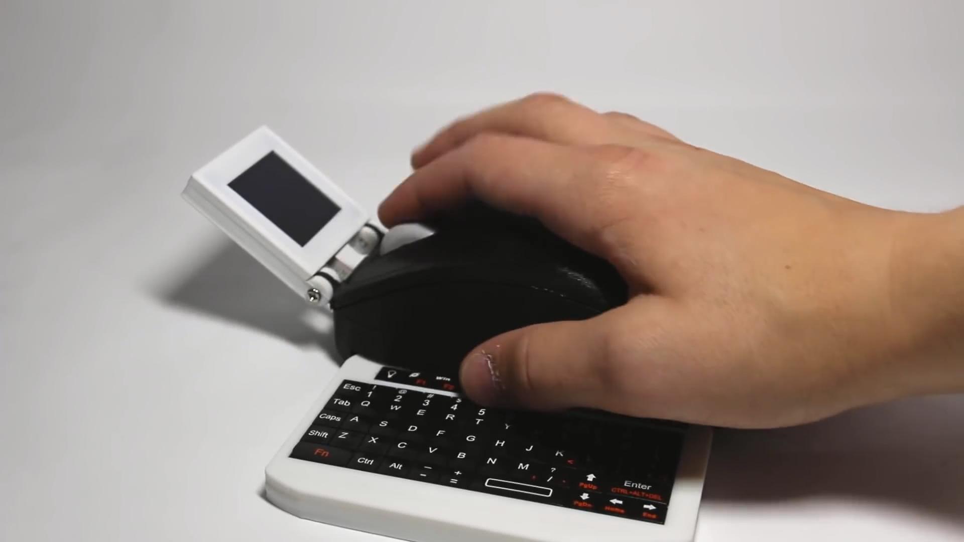 Умелец превратил Raspberry Pi в компьютерную мышь с монитором и клавиатурой