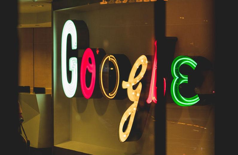 Кандидат в президенты США предложила разделить бизнес Amazon, Google и Facebook для стимулирования конкуренции