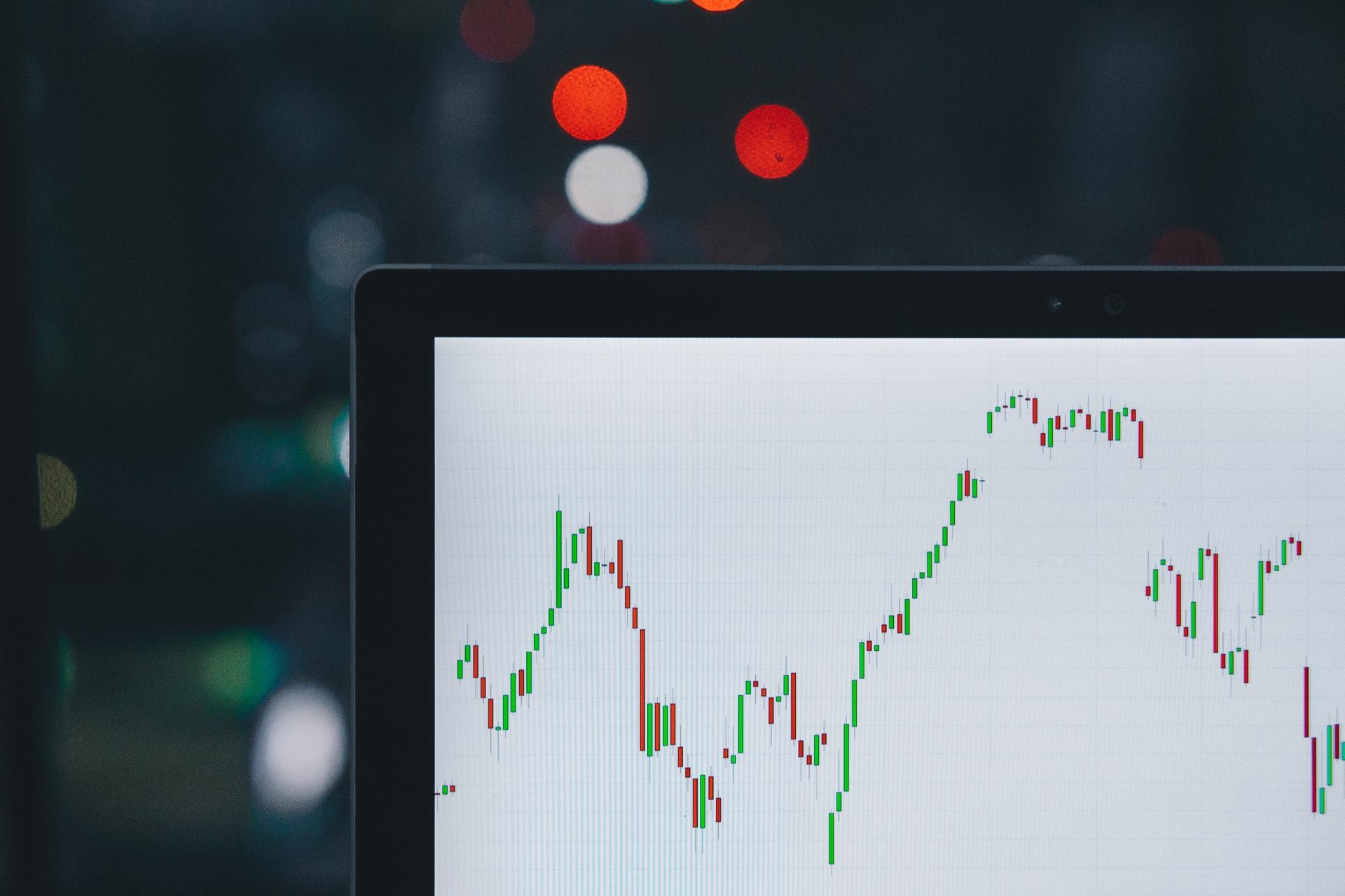 Интерактивные финансовые данные в 20 строках кода