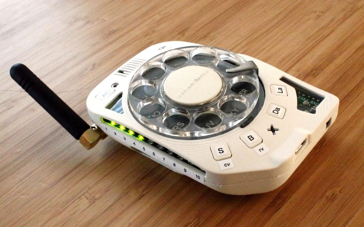[Перевод] Кому еще дисковый сотовый телефон?