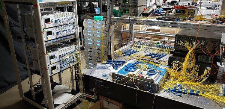 Японцы из NICT представили рабочий оптоволоконный кластер с пропускной способностью в 1 Пбит/с