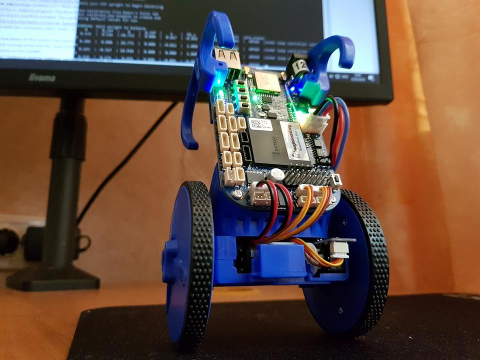 Комплект для сборки самобалансирующего робота EduMip на основе BeagleBone Blue. Распаковка и сборка. Часть 1