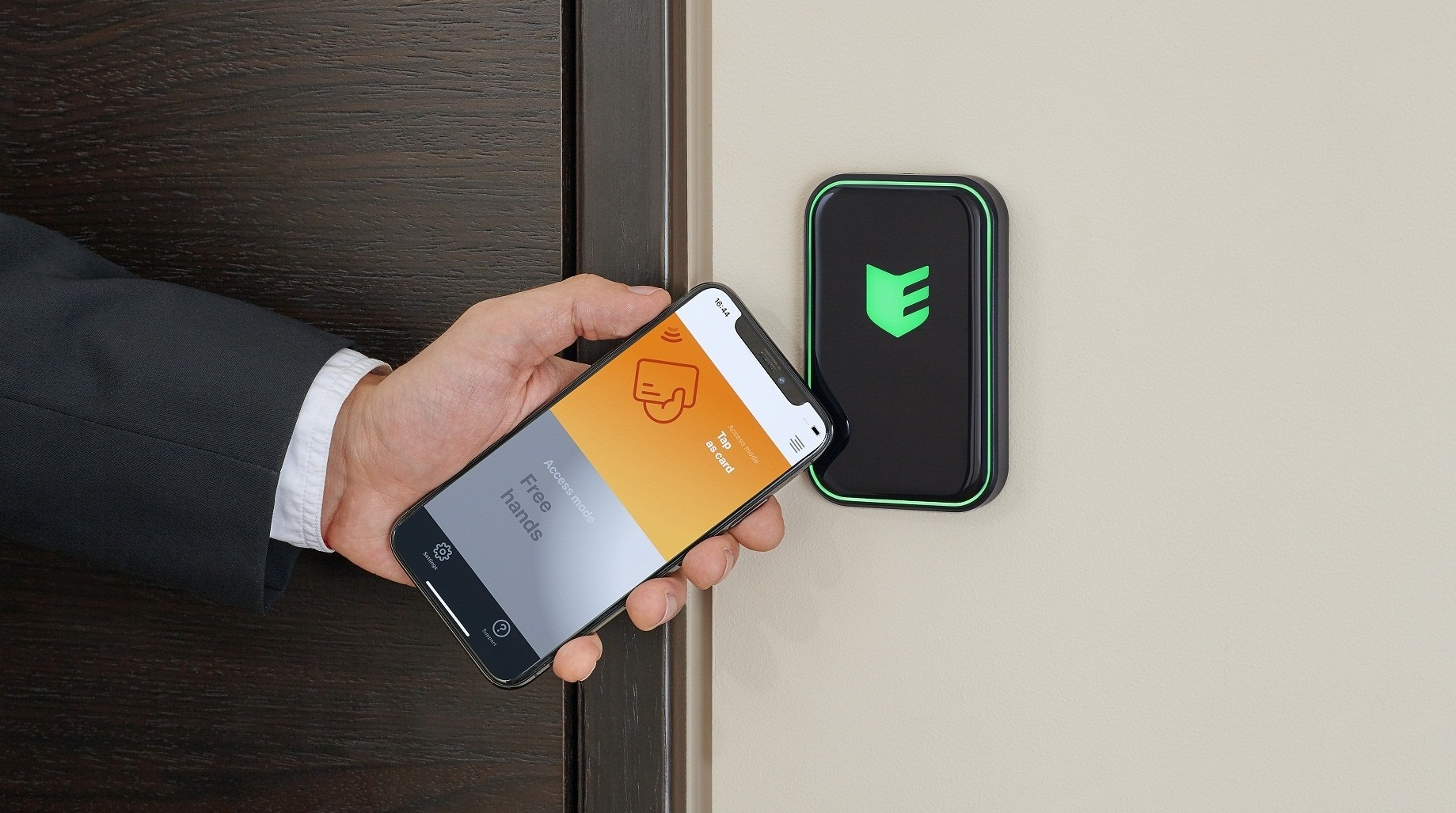 Smartphone access - a new era in access control systems