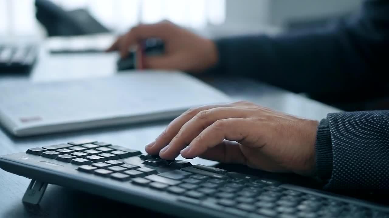 ИИ-систему DeepCom от Microsoft раскритиковали за возможность использования  в распространении дезинформации / Хабр