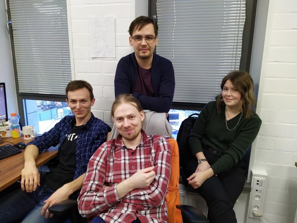 Ижевская часть команды Locomizer. Слева направо: Гена, я, Евгений, Аня
