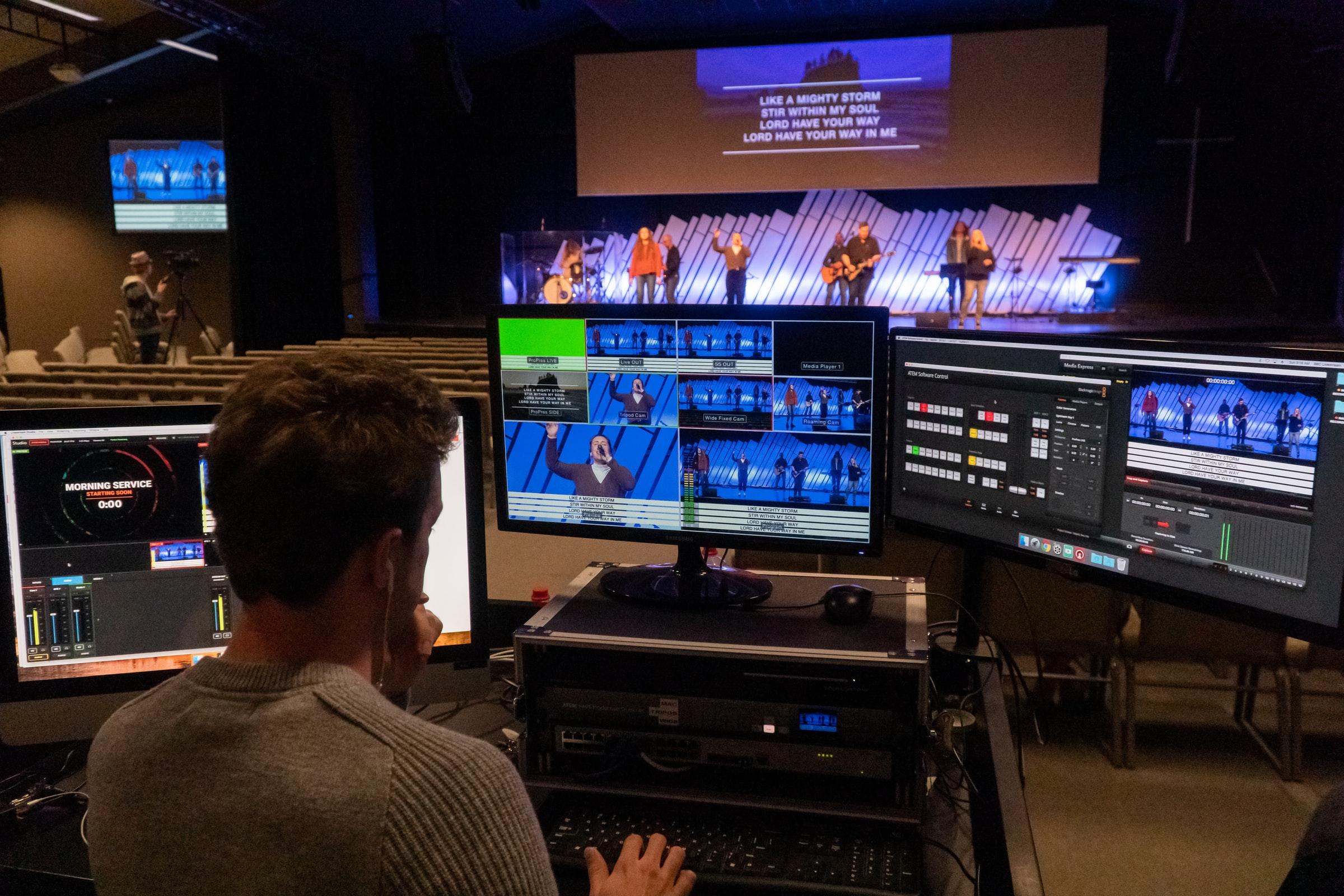 Как организовать качественное видеомикширование источников во время онлайн трансляций?