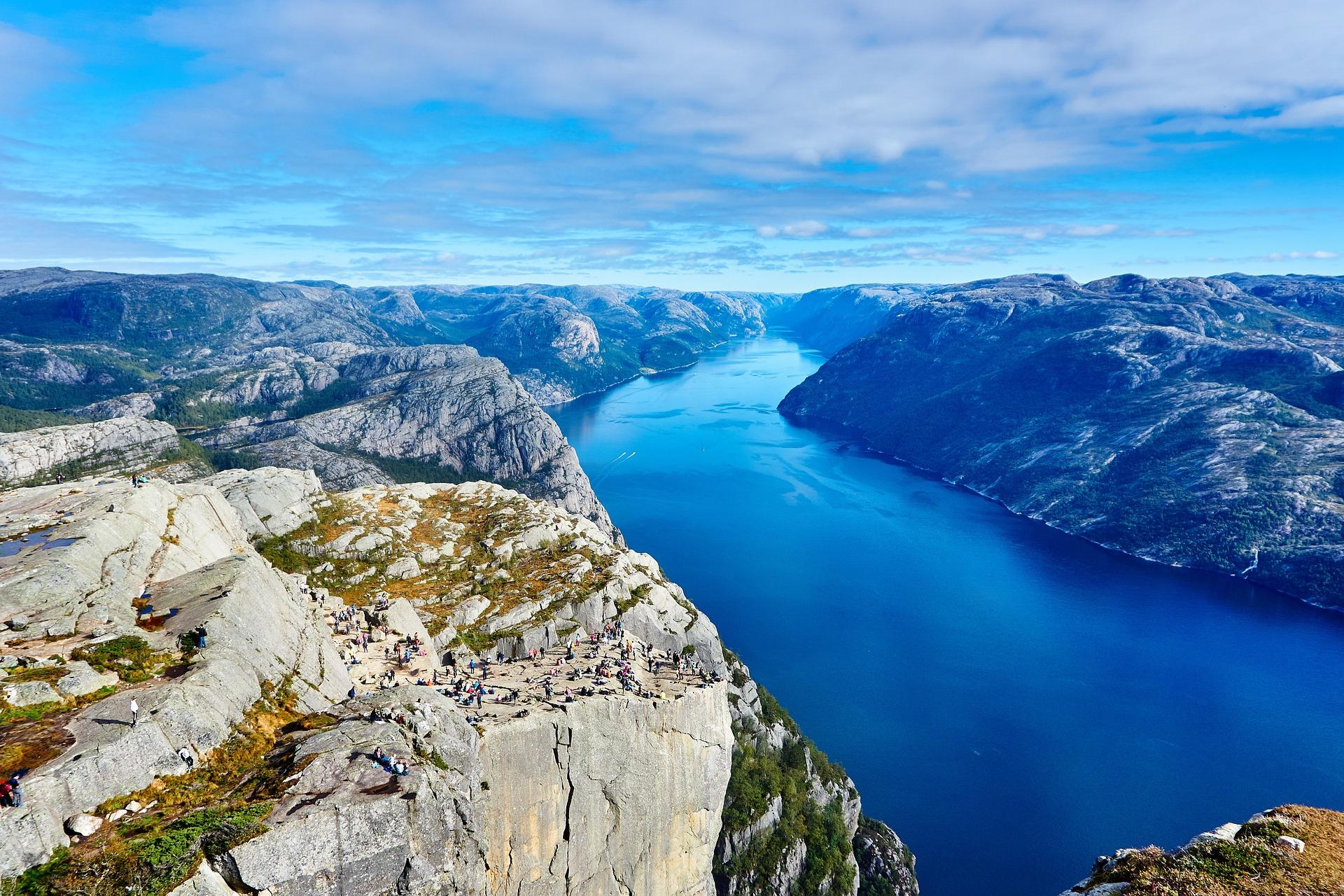 Возможно ли переехать в норвегию из россии