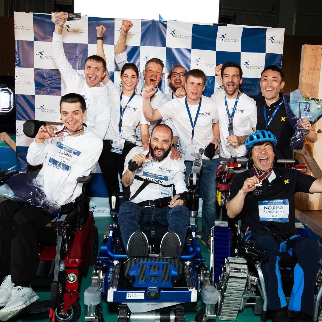 Гонки на инвалидных колясках: российский пилот стал призером на чемпионате Cybathlon в Токио