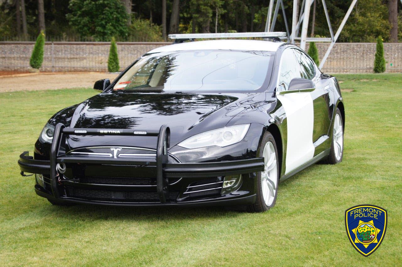 Бу Tesla Model S 85 на службе департамента полиции города Фримонт, штат Калифорния, США (там, где завод Tesla)