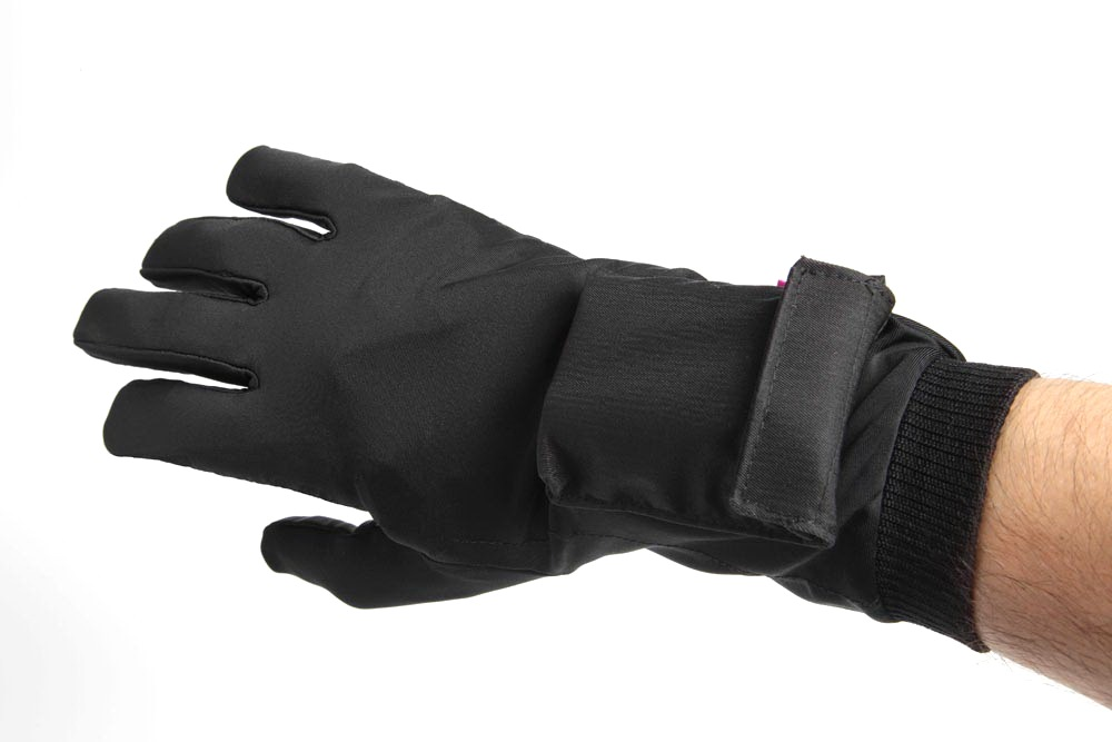 It will be cold soon: we get acquainted with the Pekatherm company and choose heated gloves